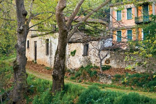 Παραδοσιακά σπίτια χαμένα στη